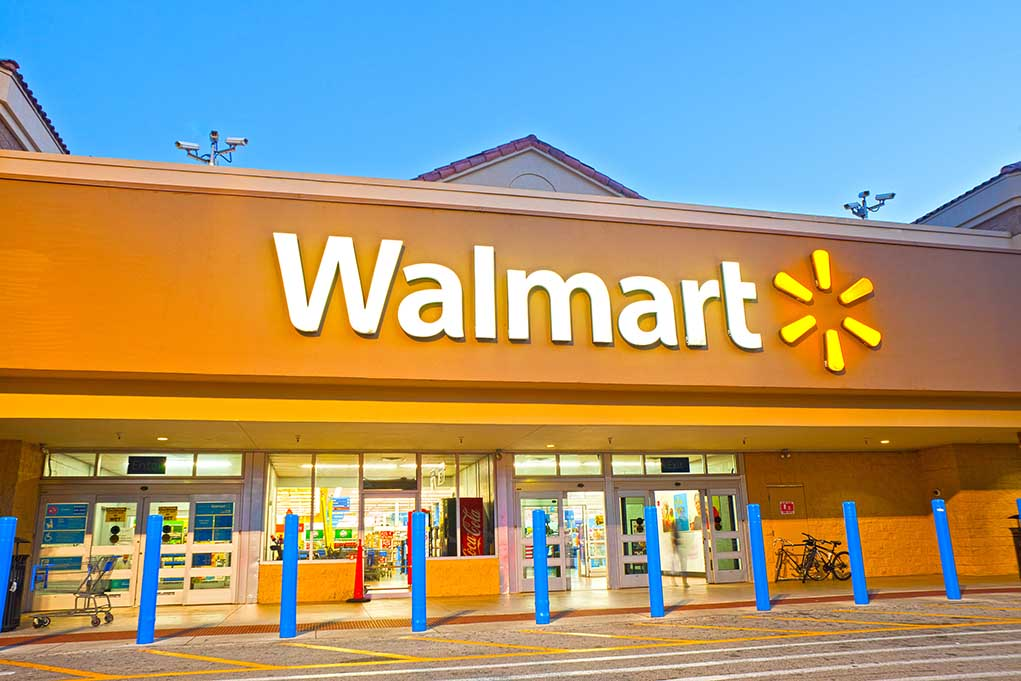 Walmart Makes Plans to Go Into Financial Industry