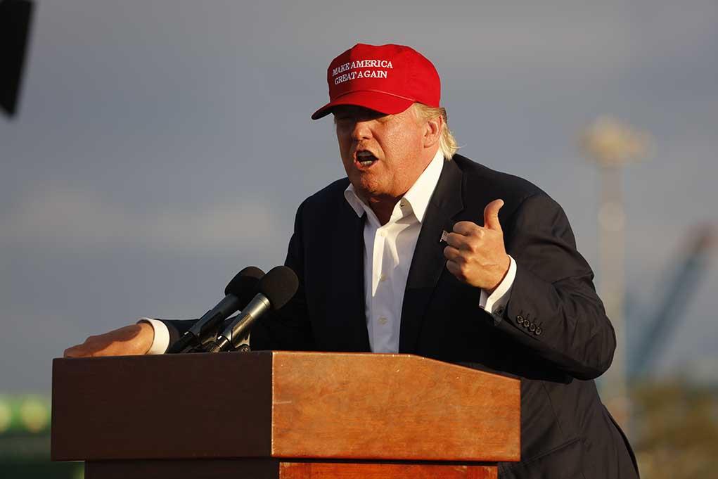 Donald Trump Says Democrats and RINOs Not Giving Enough Credit